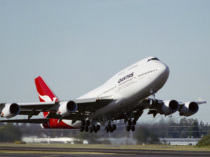 Qantas looks to potential of tie-up with American Airlines