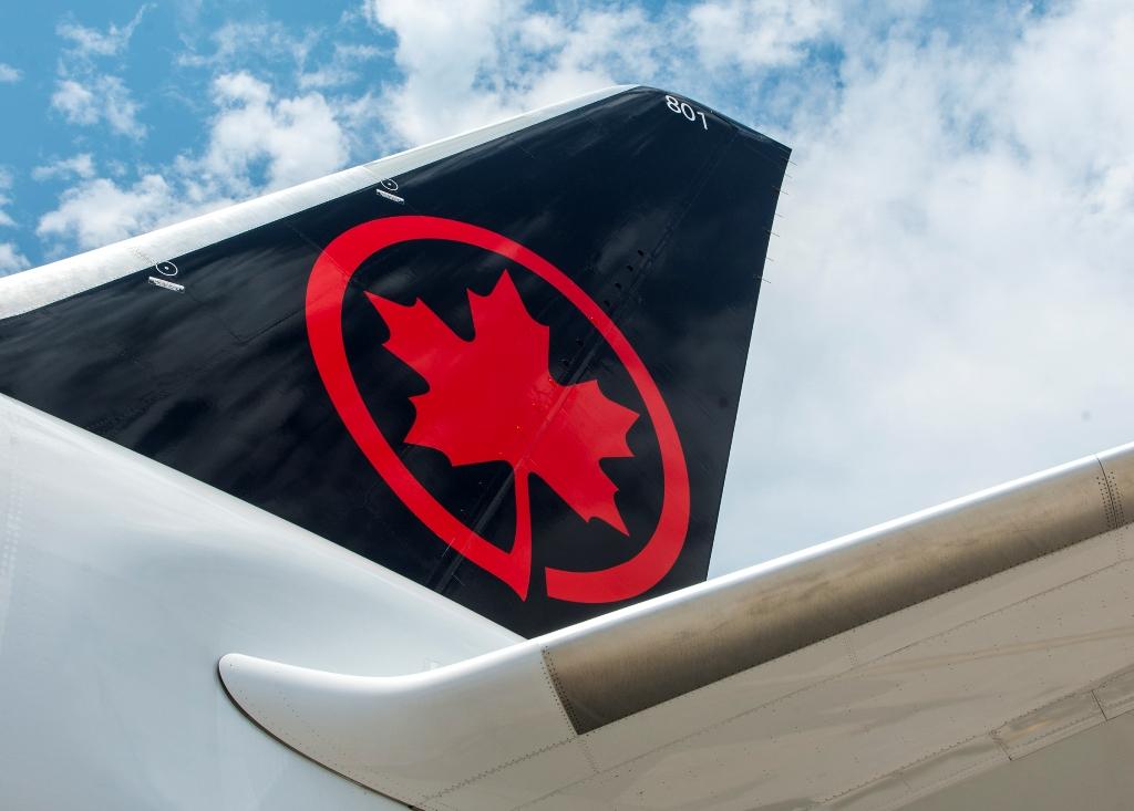 Air-Canada-B787-8-tail-fin.jpg