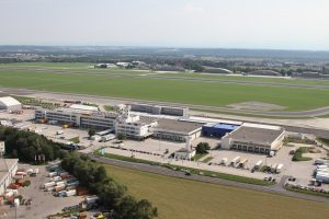 Linz Airport launches first German-speaking airfreight training academy
