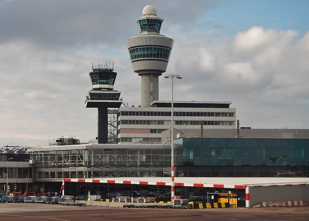 Dutch air cargo sector hits out at Schiphol's price hike plans