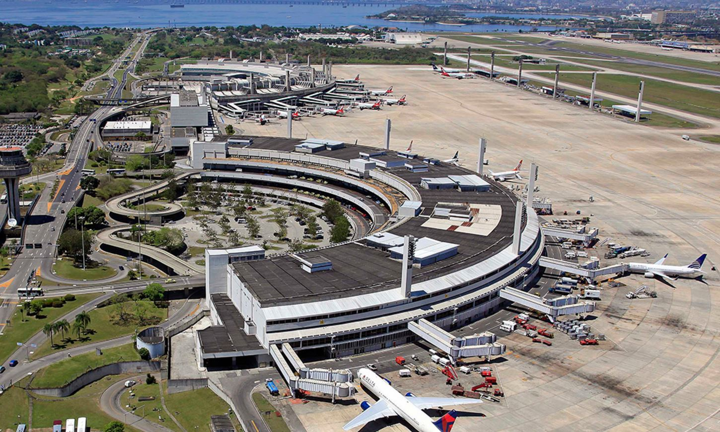 drone innovation with Record Cargo Year For Singapores Changi Airport on 17 Year Old Indian Origin Entrepreneur Features In Forbes List 23602 additionally Typhoon H Overview moreover Video Innovation Le Sous Marin Volant De La Rutgers University additionally Saudi Arabia Announces Plans 380 Billion City Neom further Royalty Free Stock Photo Future  mercial Drones Infographics Covering In ing Image37108895.